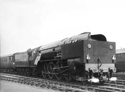 LNER locomtoive 2001.