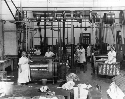 Women working in the wash house at London, Midland & Scottish Railway's Wolverton Works, 17 November 1933.