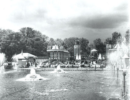 Battersea Pleasure Gardens, Fountain Lake at the Festival of Britain, 1951