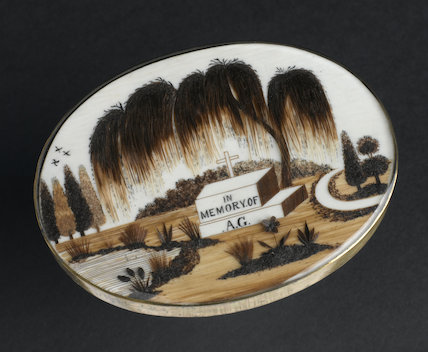 Brooch decorated with human hair, Europe, 18th-19th century.