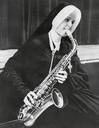 Saxophone Nun