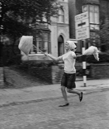 Julie Christie-Actress-running - 1963