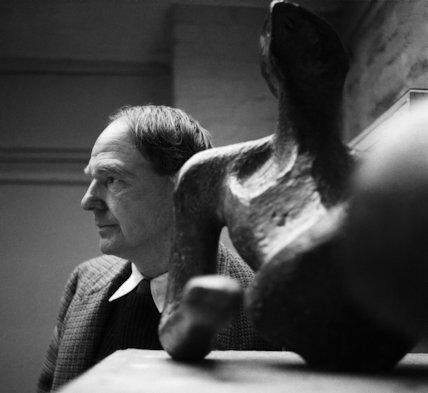 Henry Moore-Sculptor - 1955