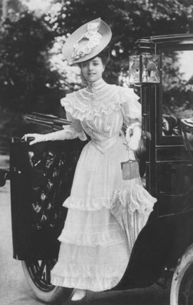 Vesta Tilley Wearing a Long Dress and Large Hat - c1906