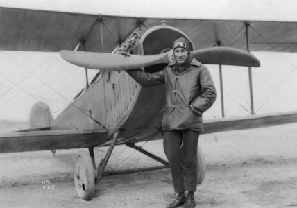 Aviator at the Curtiss Aviation School with Curtiss Jenny aircraft - 1916