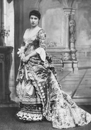 Lily Langtry In Evening Dress - c1900