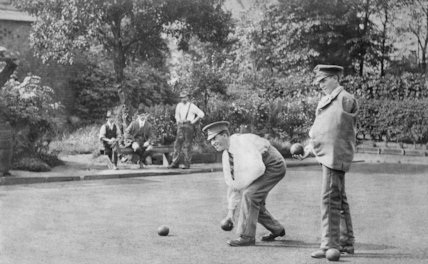 Two Injured Soldiers Playing Bowls  - c1917