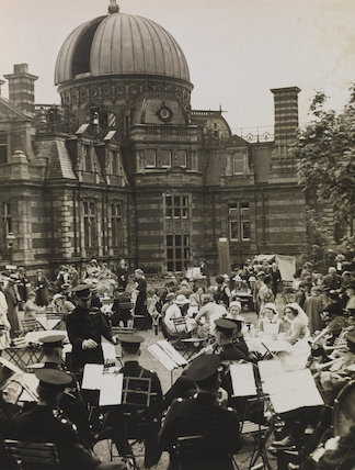 'Garden party in Greenwich Observatory', 1937