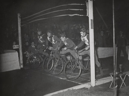 Bicycle speedway at Woodford Green, 1949