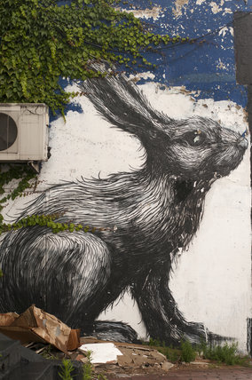 Graffiti of hare in East London by Roa