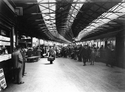 Passengers disembarking at Holyhead Station, 1927.