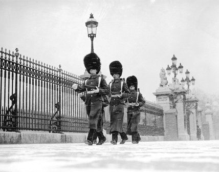 Coldstream Guards outside Buckingham Palace, 19  December 1938. Photograph by Reuben Saidman.