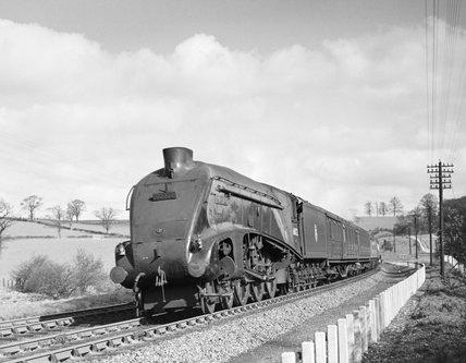 LNER 4-6-2 Class A4 No 4468 Mallard.