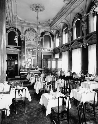 Tea room at the Great Western Hotel, Paddington Station, London,