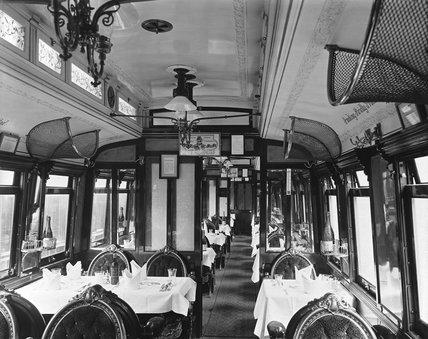First class dining car, 1901