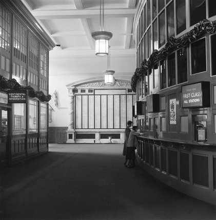 Liverpool Street station, 1953