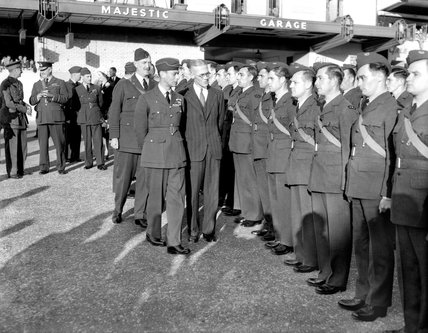 King inspects American Civilian Technical Corps in Britain, 24 October 1941