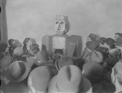 Robot, 1930s.
