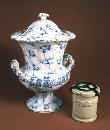 Two leech jars, 19th century.