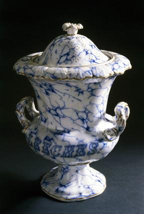 Pharmacy leech jar, English, 19th century.