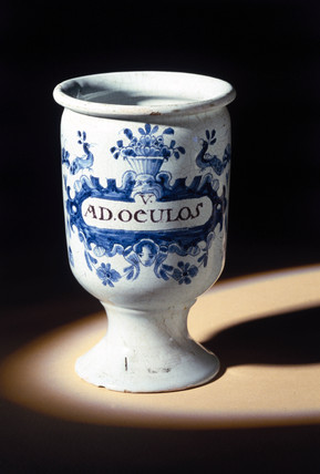 Pharmacy jar, Dutch, 1730-1780.