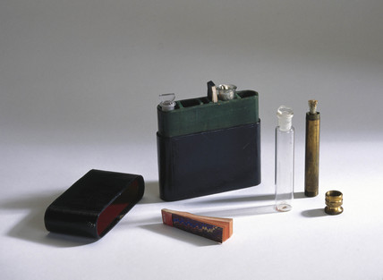 Rusell urine test case, with a urinometer, 1900.