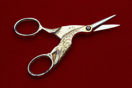 Umbilical cord scisors, 19th century.
