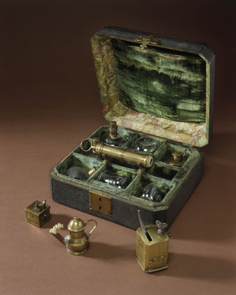 Cupping set and two scarifactors, 18th century.