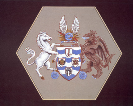Coat of arms of the Southern Railway on a hexagonal panel, 1823-1947.