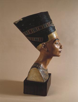 Head of Nefertiti, Egyptian queen, c 1383-1365 BC.