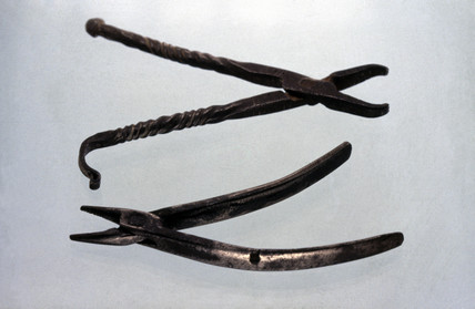 Dental forceps, 1601-1910.