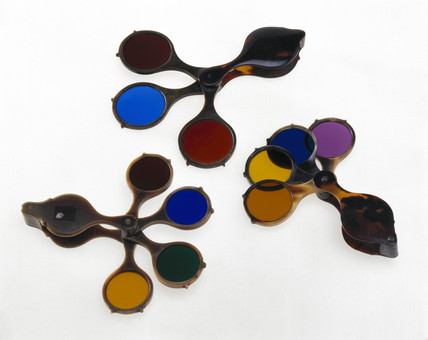 Three sets of Claude Lorraine glases, 1800-1824.