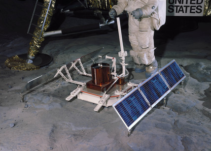 Apollo 11 Pasive Seismic Experiment Package (PSEP), 1969.