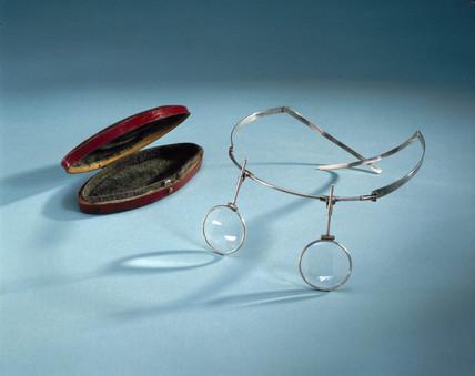 Adams headband spectacles, English, 1796.