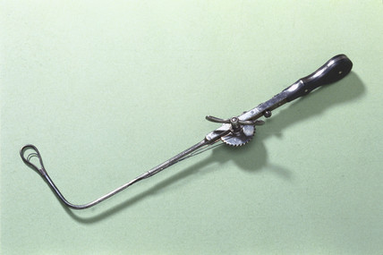 Laryngeal ecraseur, late 19th century.