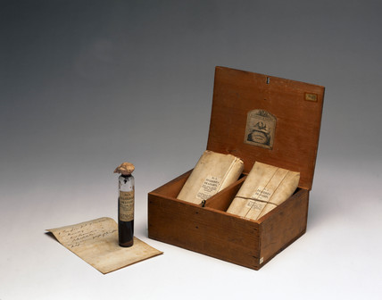 Medicine chest for cholera, English, 1849-1900.