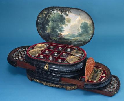Genoese medicine chest, c 1565.