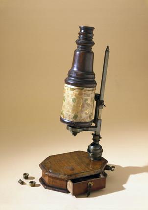Marshall compound microscope, c 1710.