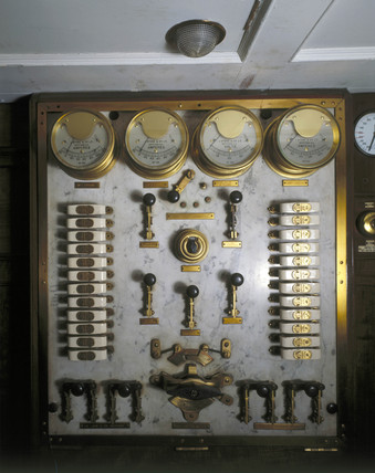 Switch panel from the Royal Saloon, no 395,