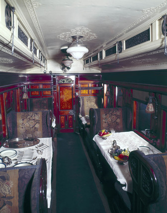 First clas dining car No.76, L&NWR, 1900.