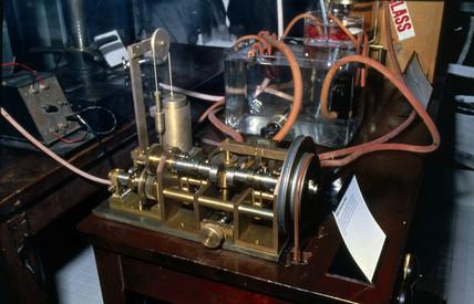 Double Dale-Schuster pump, c 1927.