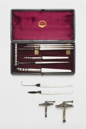 Tracheotomy set, English, 1870-1901.