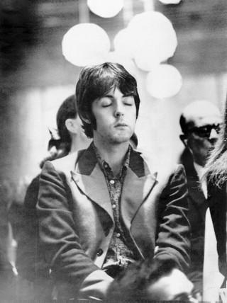 The Beatles Polska: [Pytania do Paula] Czy nadal medytujesz?