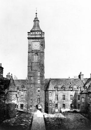 The quadrangle in the old Glasgow College, c 1910.