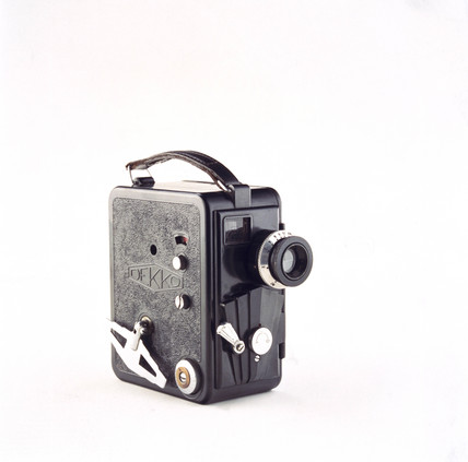 Dekko 9.5mm cine camera, English, c 1930.