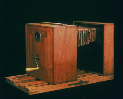 Marey's Chronophotographe camera, 1890.