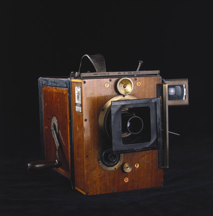 Debrie Parvo 35mm cine camera, 1908.