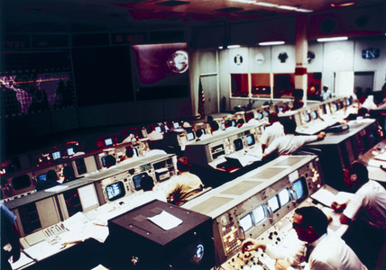 Mision Operations Control Room during the Apollo 10 mision, 1969.