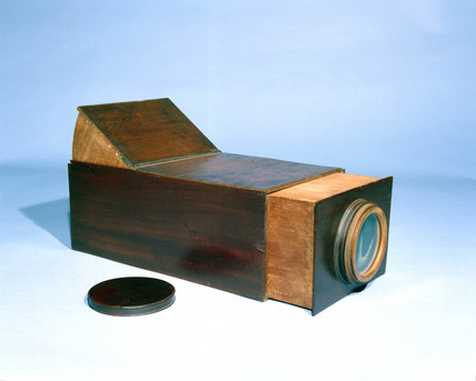 Early box-type camera obscura.