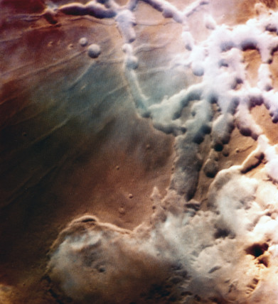 Water ice clouds over Mars, 1976.